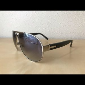 Gucci aviator sunglasses black/grey